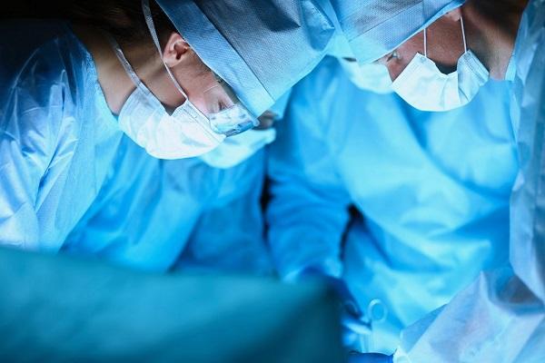 Лечение паховой грыжи при помощи операции