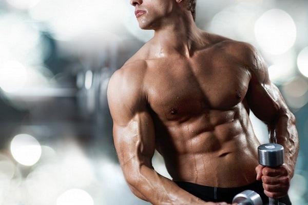 Мужчина с высоким уровнем тестостерона