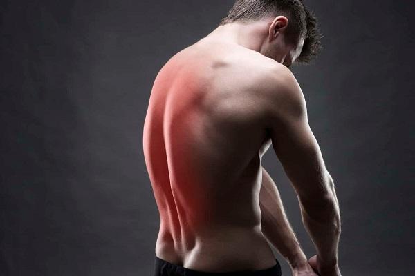 Проблемы со спиной у мужчины
