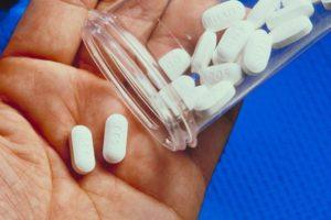 Как медикаментозно повысить уровень тестостерона у мужчин?