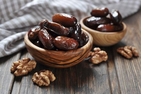 Финики с орехами для повышения мужской потенции