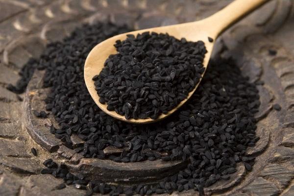 Как выглядит черный тмин?