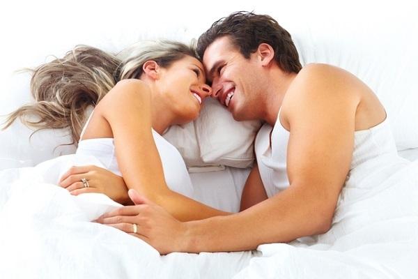 Мужчина с девушкой после секса
