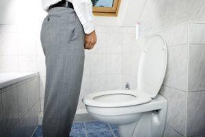 Частые позывы к мочеиспусканию у мужчин — от причин до лечения