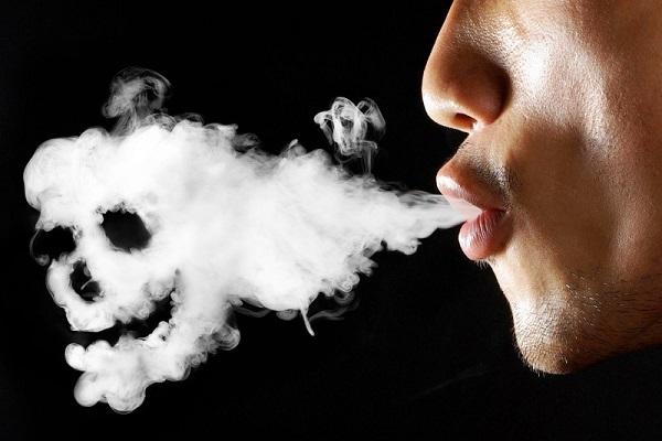 Мужчина-курильщик
