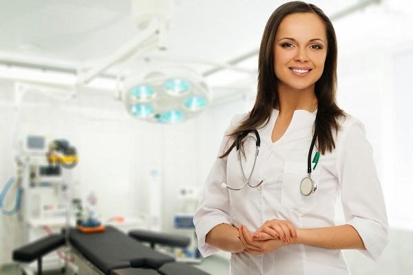 Занимающийся лечением инфекционного простатита уролог