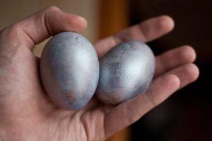 Опухло яичко у мужчины, болит — основные причины, способы лечения
