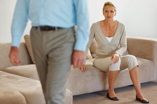 Уход жены за мужем