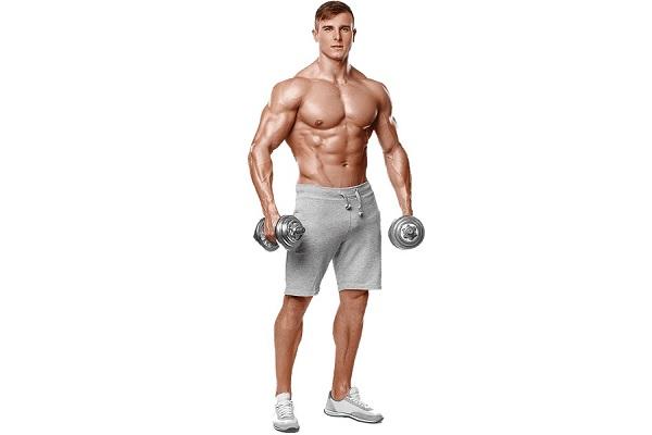 Мужчина спортивного телосложения