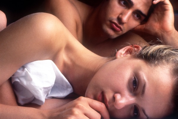 Мужчина и женщина, у которых проблемы в постели