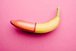 Подробная инструкция по надеванию и снятию презерватива с пениса