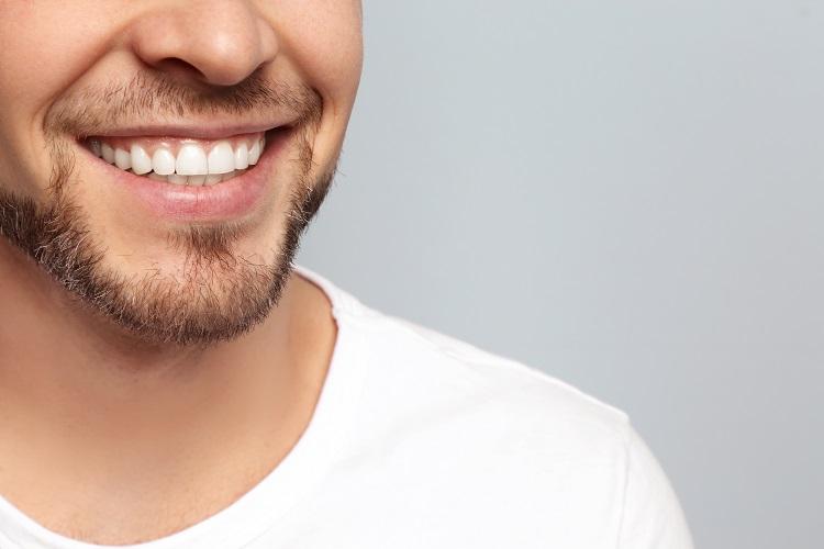 Мужская улыбка