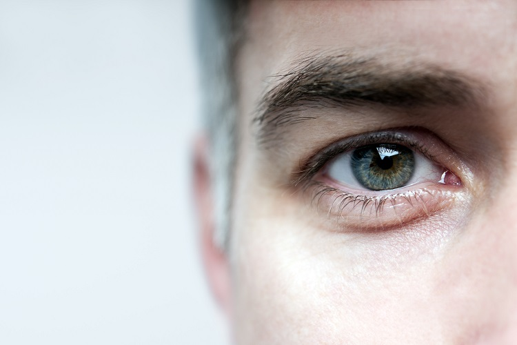 Мужской глаз