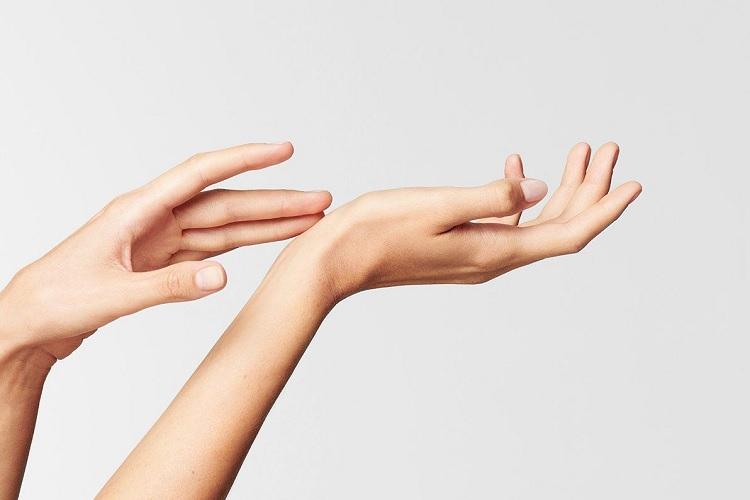 Женская рука